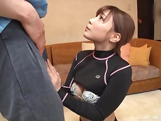 Sporty brunette Asian babe Rui Hasegawa gives a hand job and gets cum