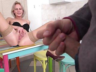 Blonde short haired amateur mature MILF Artemia receives hard blarney