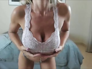 A real milf blonde from USA that has huge natural tits and chunky curvy ass