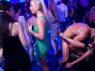 Dickloving eurobabe pounded overwrought stripper while sucking bushwa