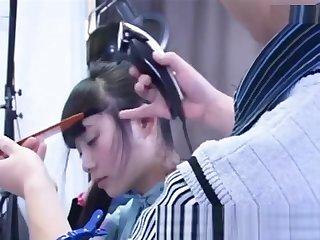中国卖淫女妓女剪头发china