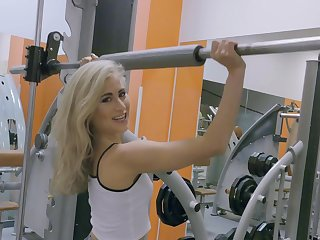 Blonde battle-axe goes wild on bushwa during morning workout