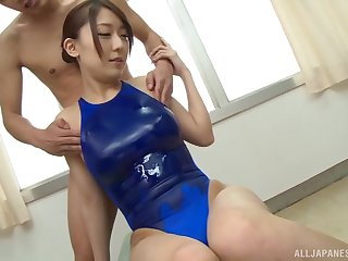 Oiled up Japanese babe Kashii Ria gives a blowjob in unseat