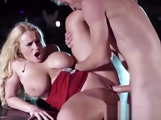 Prex squirting blonde stripper pussyfucked beyond stage by guy