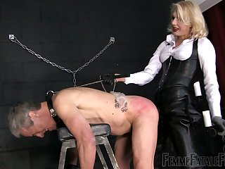 Aurous mistress Akella is punishing anal cleft and deep throat of submissive dude