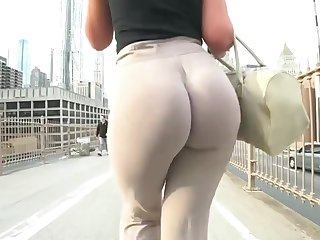 Insane Jiggly Pawg Wobble! Bubble Butt Cheeks Clapping