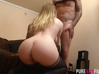 English hottie Ruby Temptations impresses dude anent awesome blowjob
