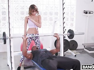 Strong black dude fucks deep throat together with wet tight cunt of Janice Griffith within reach the gym