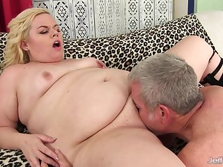 Fat Blond Dream Gets Pumped Running of Seed