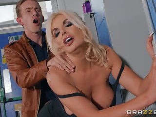 Blonde cop Tommie Jo makes love with younger partner