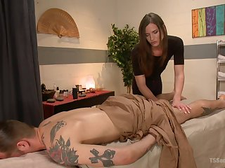 Erotic massage leads guy at hand try shemale sex