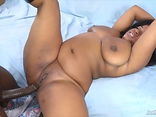 Big boobed ebony BBWs get their sulky chocolaty pussy get fucked abyss together with concurring