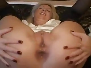 Perfect ass with chills gf masturbating for me on cam