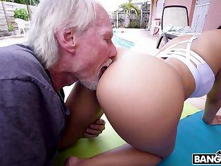 Old silver grandpa loves latina sputter butts