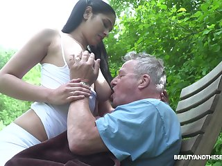 Busty sitter Ava Black bangs papa and takes cumshots first of all the brush massive boobs