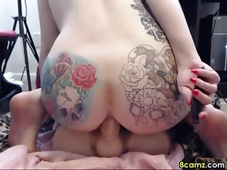 Tattooed chick loves dildoing her pussy on webcam for you