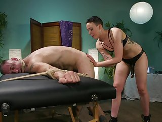 Dominant slut Lilith Luxe uses a strapon with reference to fuck say no to hubby's ass