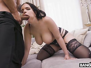 busty MILF gags to a certain winning working chum around with annoy huge dong up her soaked cunt